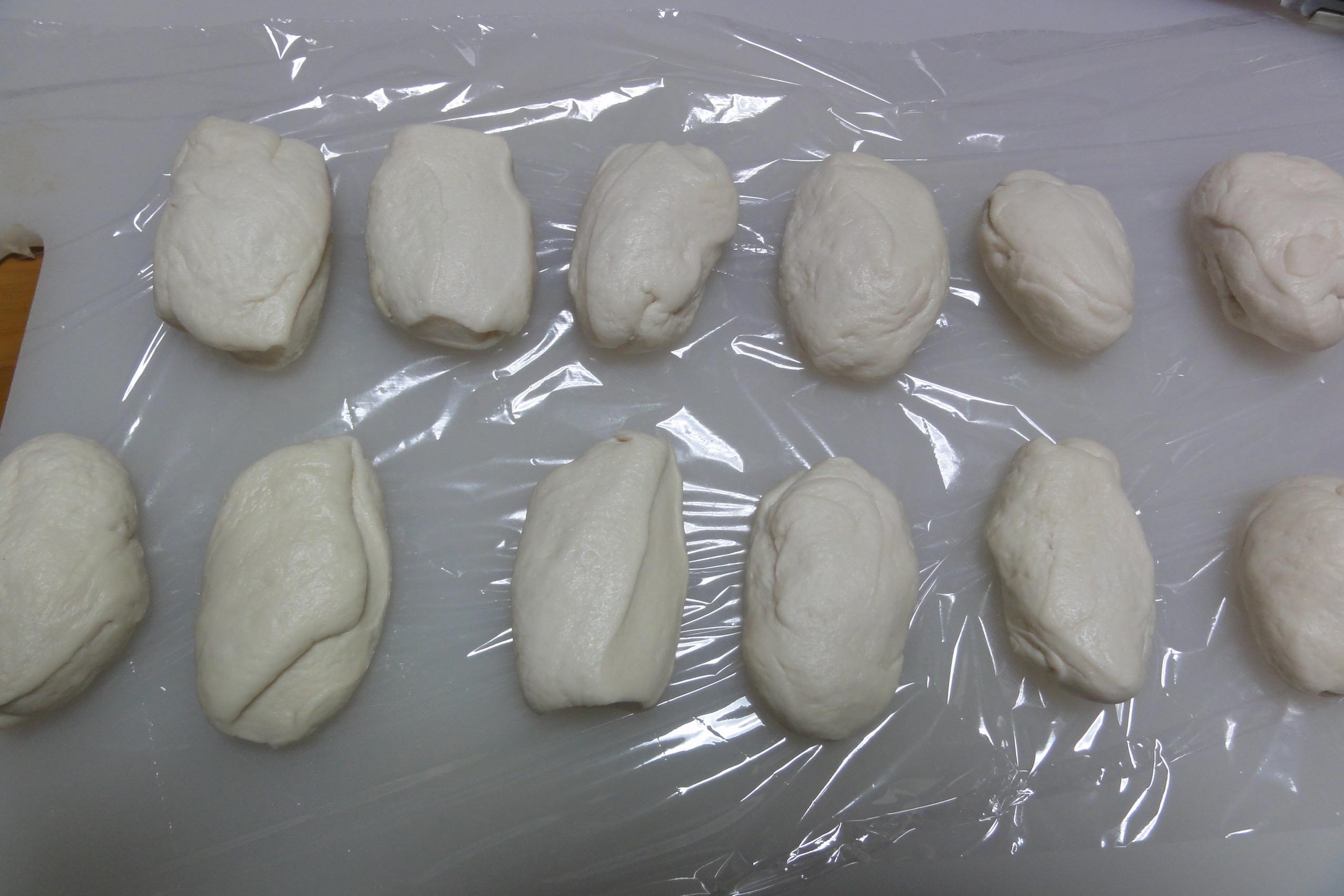 米粉パン生地を12等分にする
