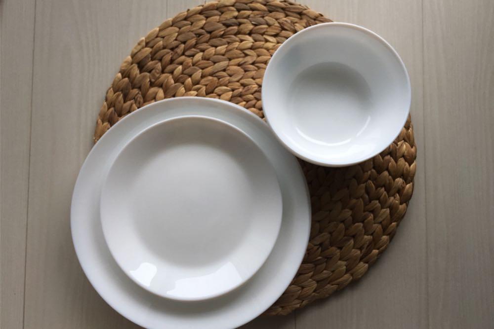真っ白なお皿