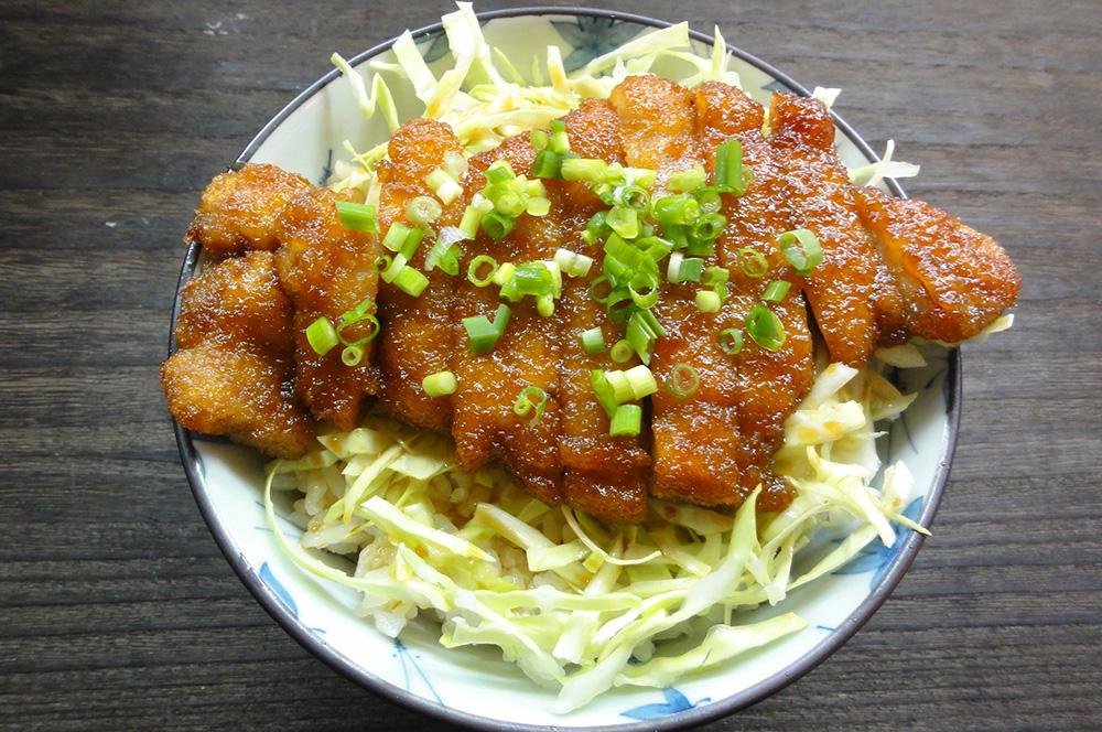 米粉とんかつ甘辛煮丼