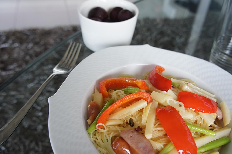 彩り野菜のオイルパスタ