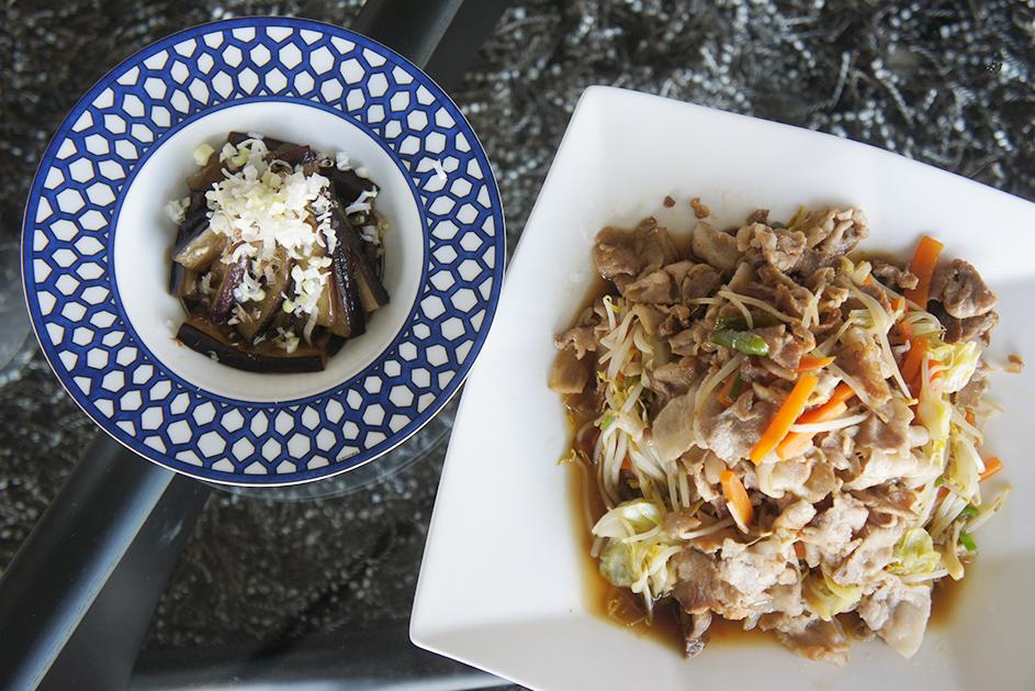 肉野菜炒めとナスの煮浸し