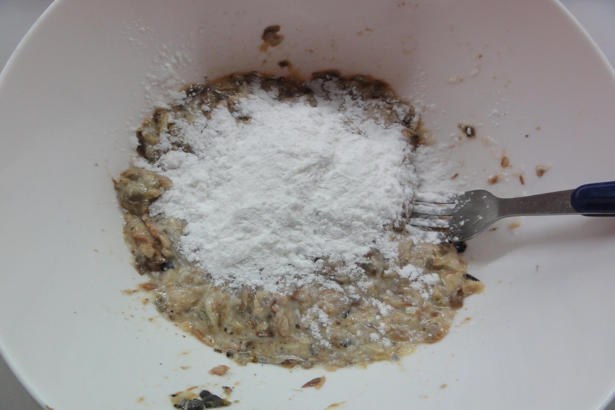 米粉を加える