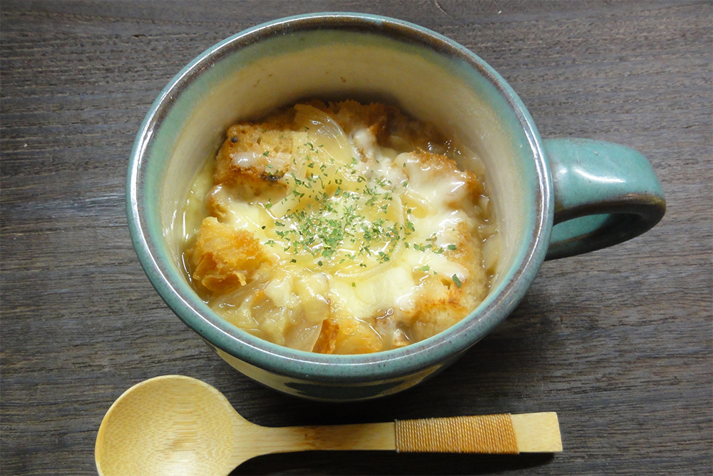 米粉パンオニオングラタンスープ