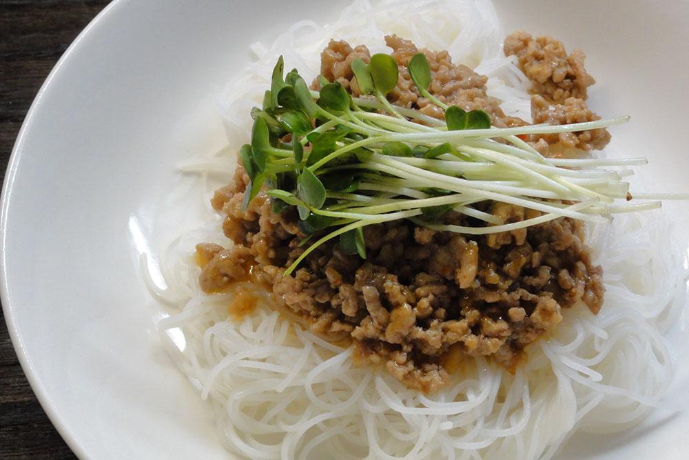 ビーフンジャージャー麺