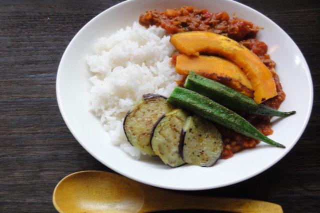 夏野菜トマトヘルシー米粉カレー