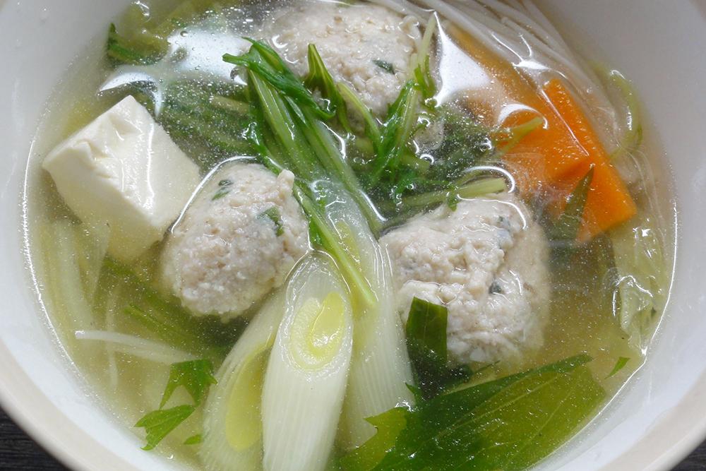卵不使用肉団子スープ