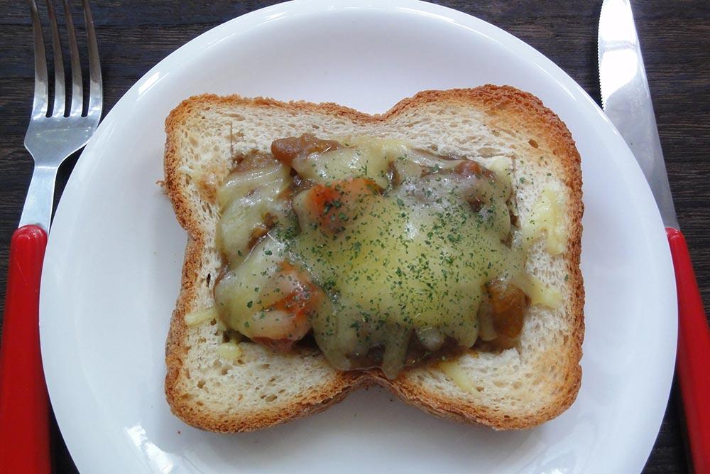 ダブル米粉カレートーストパン
