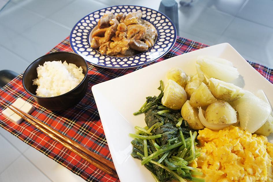 蒸し野菜と鶏の旨煮