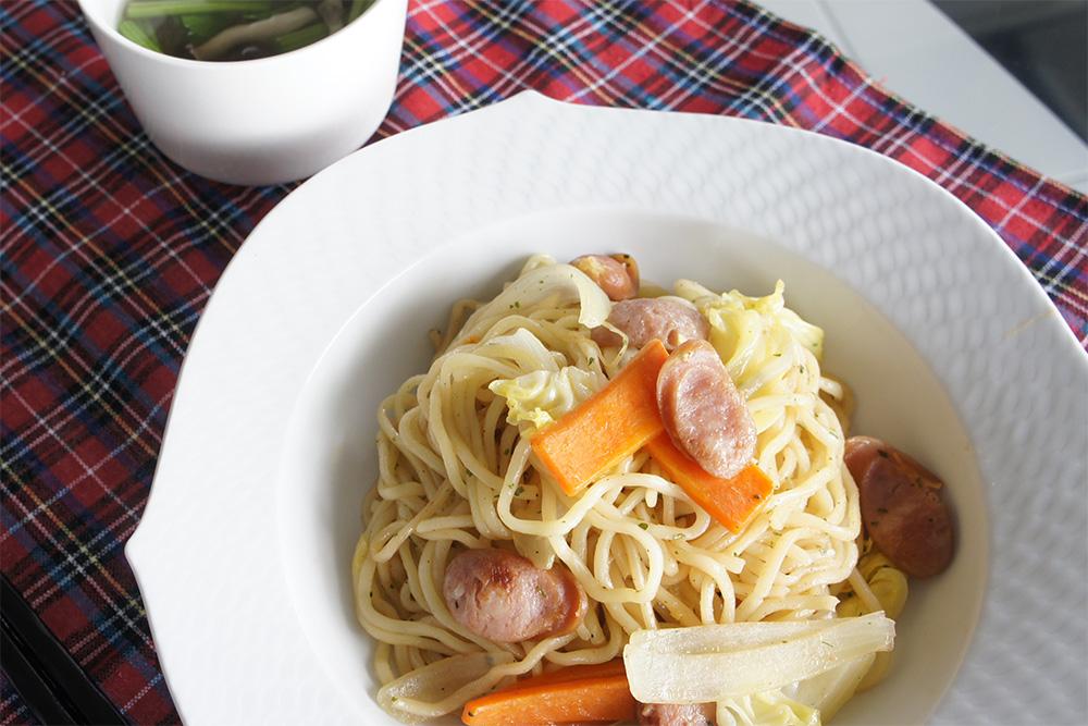 エビマヨ焼きそばと簡単中華スープ