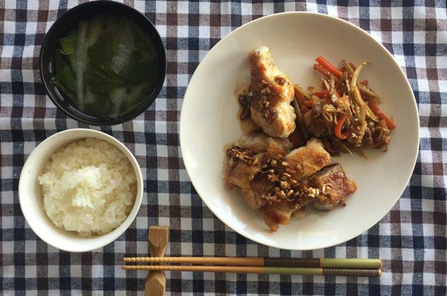 得意のがっつり茶色飯!油淋鶏とキンピラ