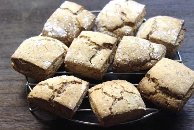 卵・小麦不使用米粉小豆スコーン