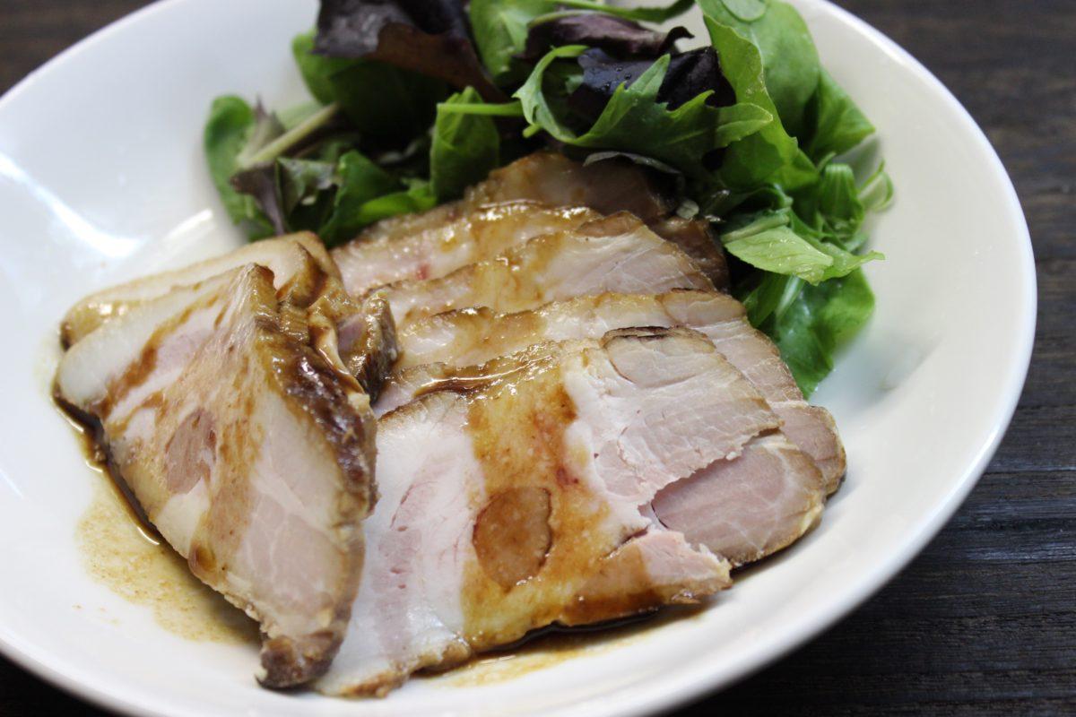 【話題の低温調理器に挑戦!】焼き豚&鶏胸肉サラダ